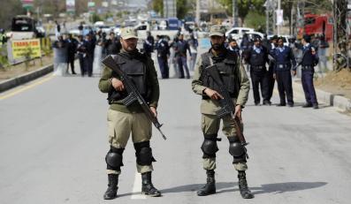 Pakistańscy policjanci