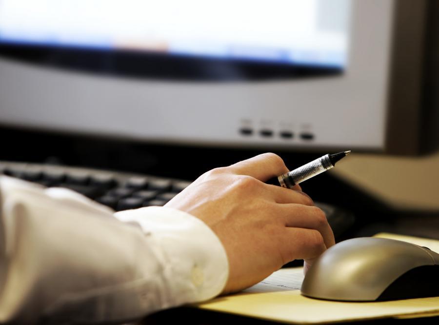 Urzędnicy kontra uciążliwe reklamy w sieci