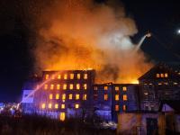 Pożar zabytkowego młyna w Tarnowie. Policja podejrzewa podpalenie