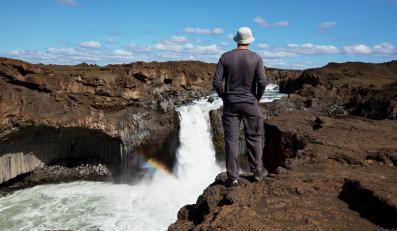 Turysta na Islandii