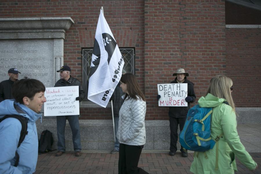 Przeciwnicy kary śmierci pod bostońskim sądem