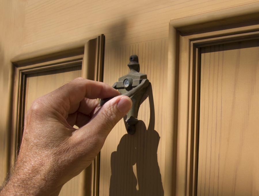 Pukanie do drzwi