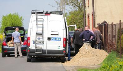 Policja na miejscu zbrodni w Żychlinie