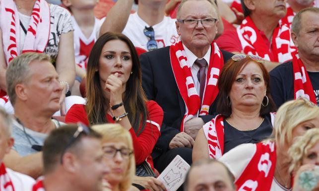 Piękne partnerki piłkarzy, celebryci i VIP-y na meczu Polska - Gruzja. ZDJĘCIA