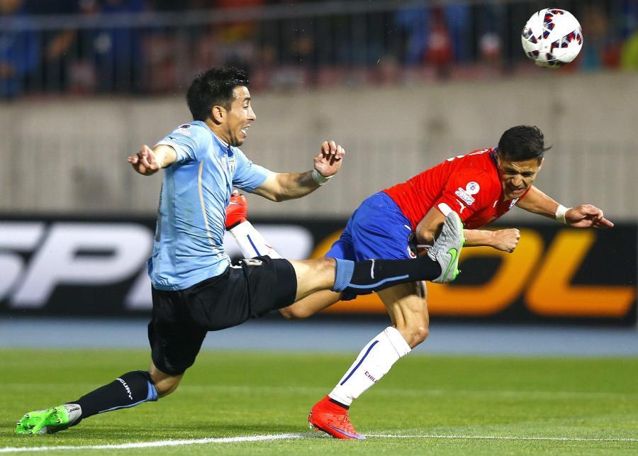 Alexis Sanchez i Jorge Fucile