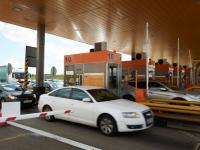 Bramki na autostradzie A1 otwarte. Kierowcy o tym nie wiedzą i próbują płacić