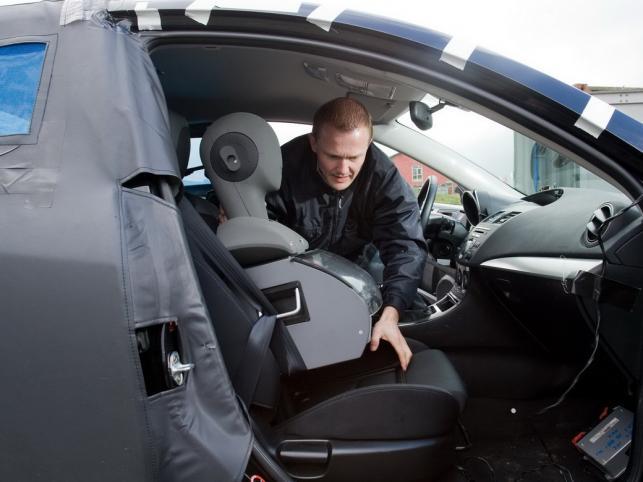 Właśnie pięciodrzwiówka, ale już bez kamuflażu zadebiutuje 2 grudnia w czasie salonu samochodowego w Bolonii