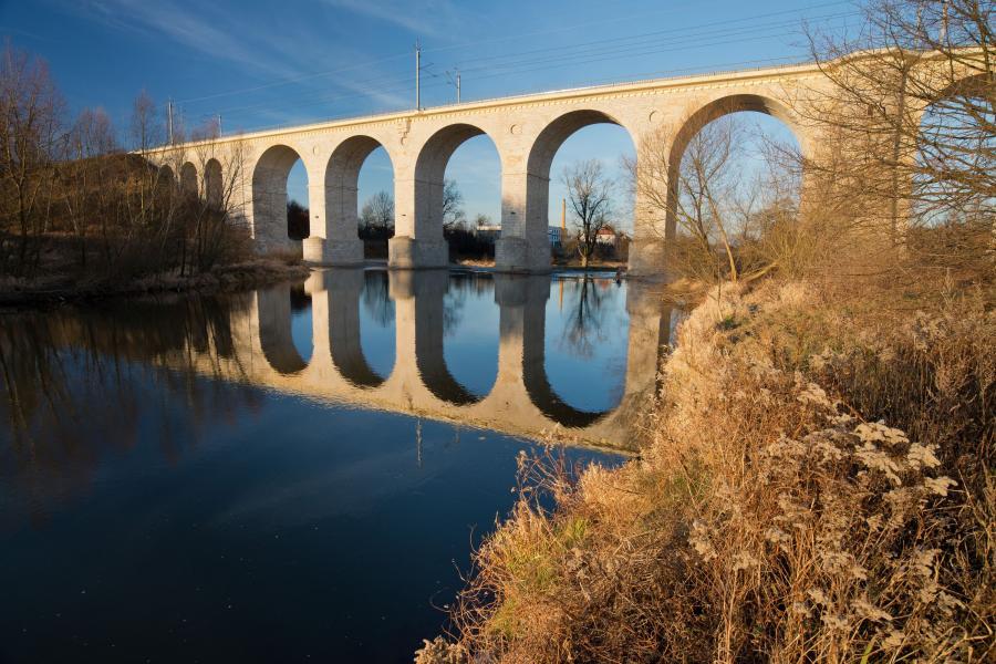Bolesławiec ma niezwykłą atrakcję - kamienny wiadukt
