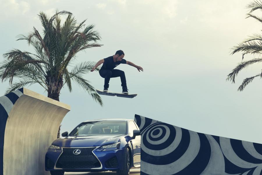 Lexus hoverboard w akcji