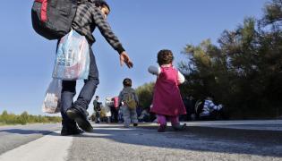Uchodźcy w Turcji, na szosie między Stambułem a turecko-greckim przejściem granicznym w Edirne