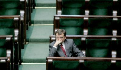 Posłowie PiS nie chcą się zrzucić na Ziobrę