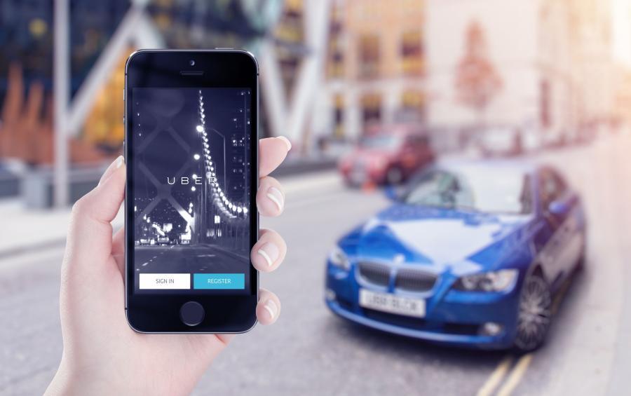 Telefon z aplikacją Ubera