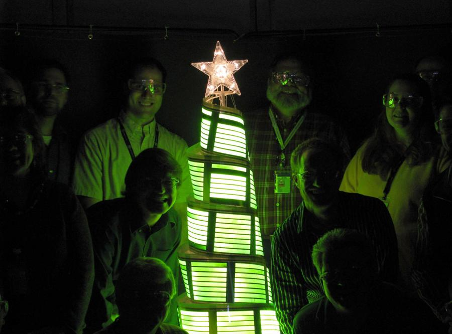 Zobacz pierwszą OLED-ową choinkę
