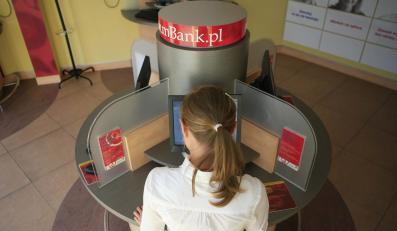 Klienci mBanku odcięci od pieniędzy
