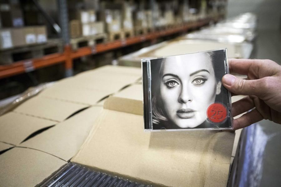 "9. ""25"" Adele – 3.380.000"