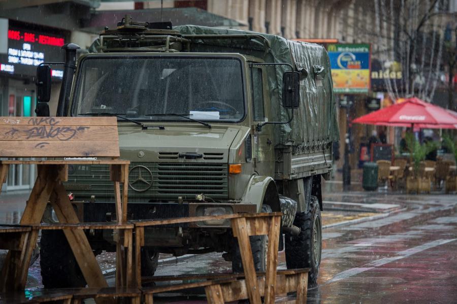 Wojskowe ciężarówki
