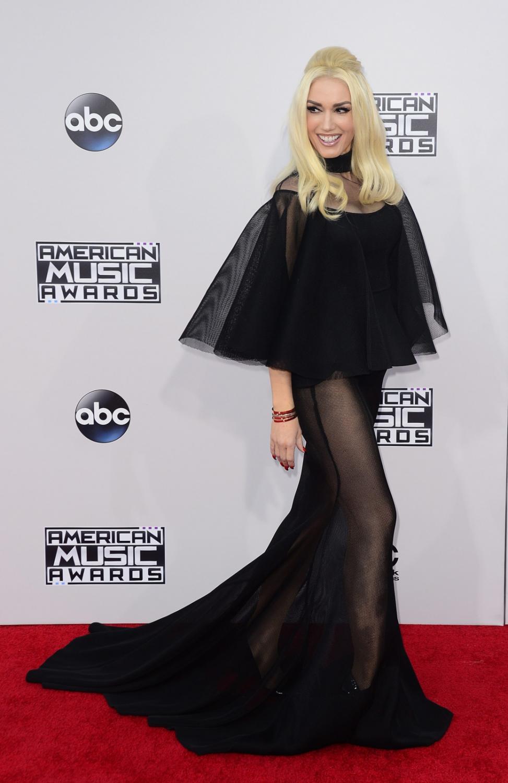 Gwen Stefani odważnie na American Music Awards 2015