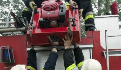 Za mało strażaków i sprzetu w wojsku