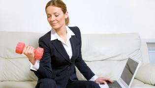 Bizneswoman z hantlami