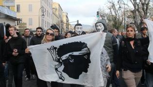 Manifestacja w Ajaccio na Korsyce