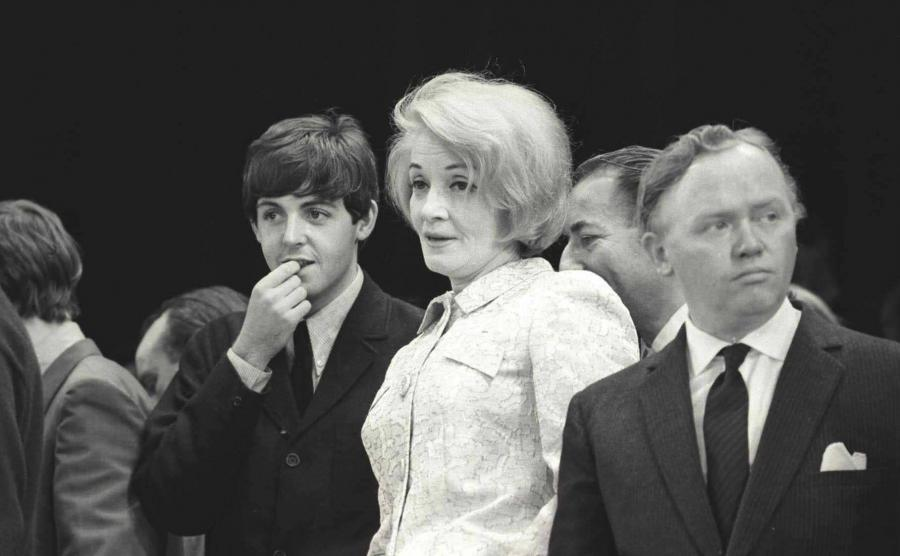 Paul McCartney obok Marlene Dietrich w 1963 roku