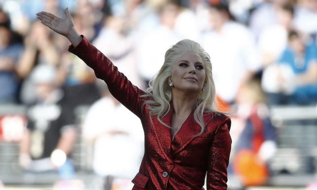 Lady Gaga jak feniks z popiołów... Znów jest ulubienicą Ameryki [ZDJĘCIA]