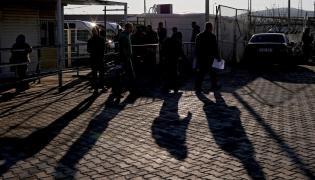 Syryjscy uchodźcy przy granicy z Turcją