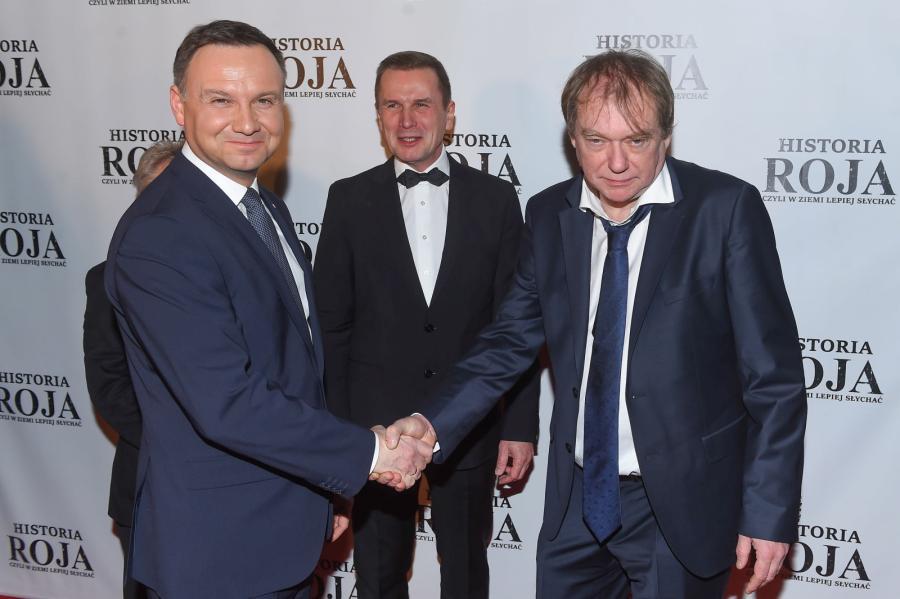 """Prezydent Andrzej Duda i reżyser Jerzy Zalewski, podczas premiery filmu """"Historia Roja"""""""