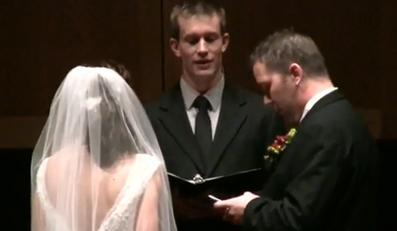 Na ślubnym kobiercu zaglądał na Facebooka