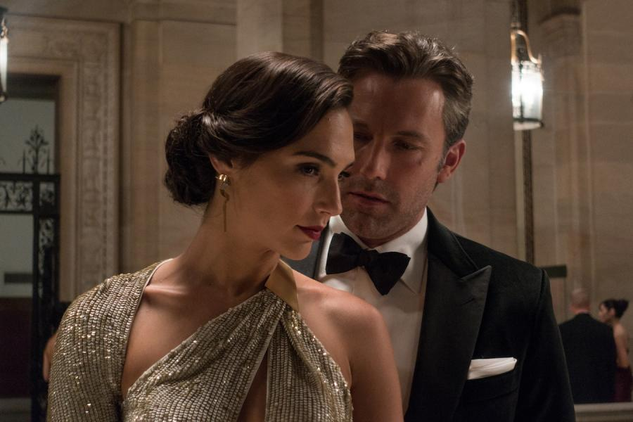 "Ben Affleck i Gal Gadot w filmie ""Batman v Superman"""