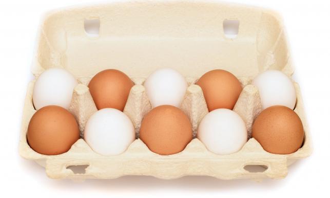 Najzdrowiej jeść je na surowo? Co z salmonellą? Fakty i mity na temat jajek