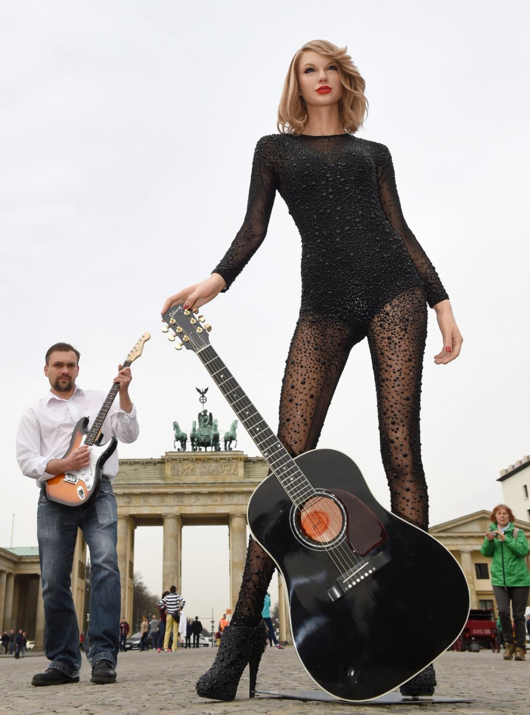 Taylor Swift reklamuje galę nagród Echo 2016