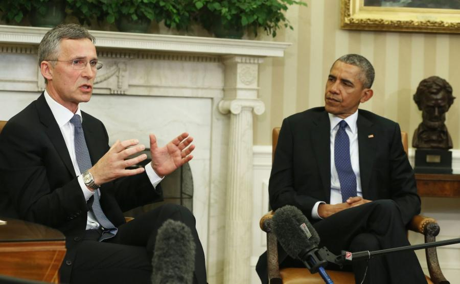 Sekretarz generalny NATO Jens Stoltenberg i prezydent USA Barack Obama
