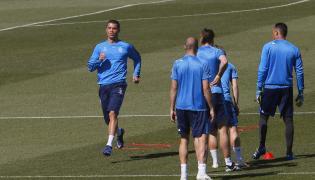 Cristiano Ronaldo (z lewej)