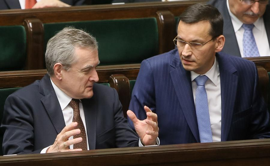 Wicepremier, minister rozwoju Mateusz Morawiecki i wicepremier, minister kultury Piotr Gliński