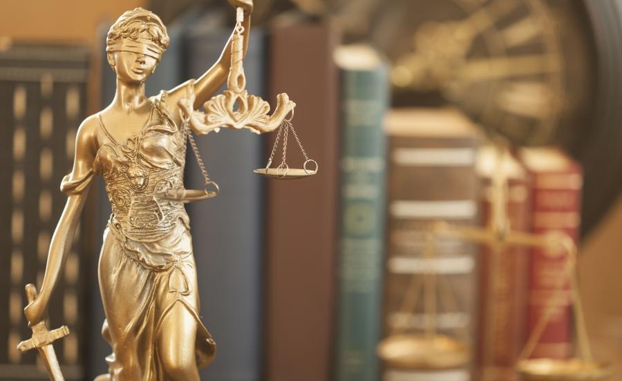W wyroku sąd pierwszej instancji pozbawił K. praw publicznych na osiem lat