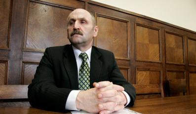 Popecki trafi do więzienia za seksaferę
