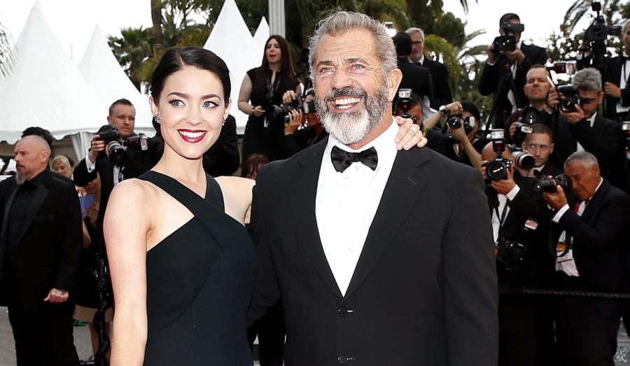 Mel Gibson i Rosalind Ross w Cannes