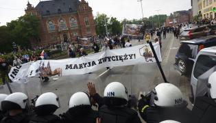 Przeciwnicy Trójmiejskiego Marszu Równości i policja