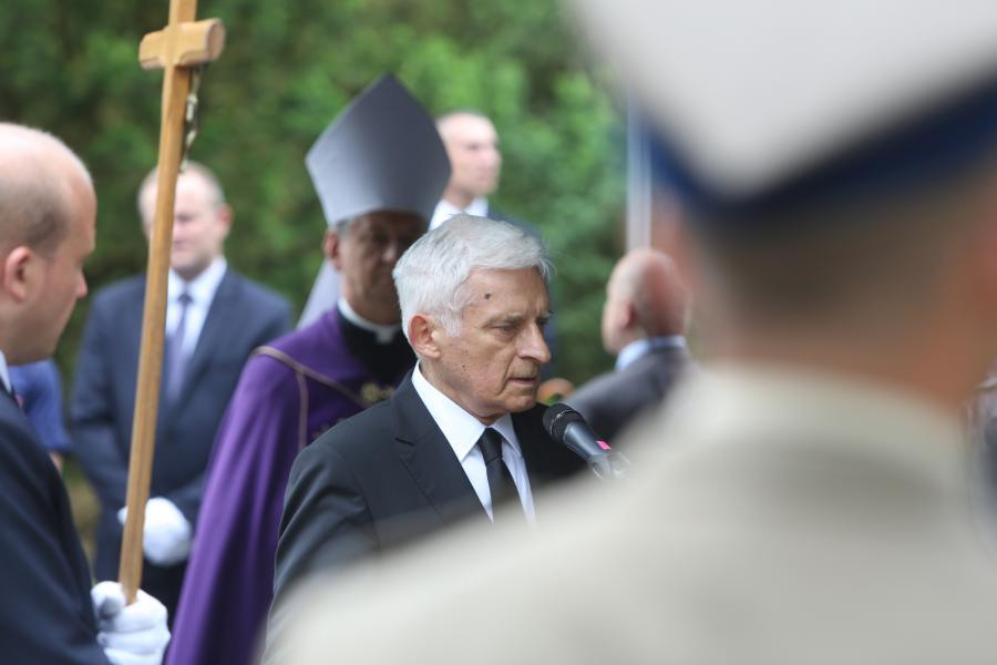 Jerzy Buzek na pogrzebie Andrzeja Urbańskiego