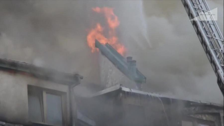 Pożar w bloku w Warszawie