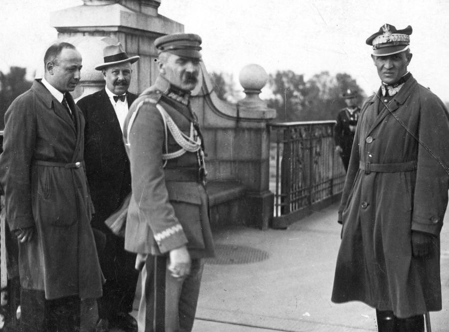 PSL zlustruje Piłsudskiego za zamach majowy?