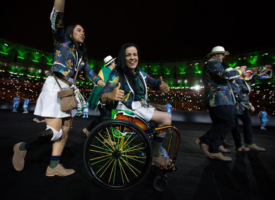 Deszczowe otwarcie igrzysk na stadionie Maracana