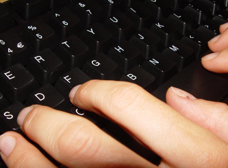 Rozładowują frustrację w internecie