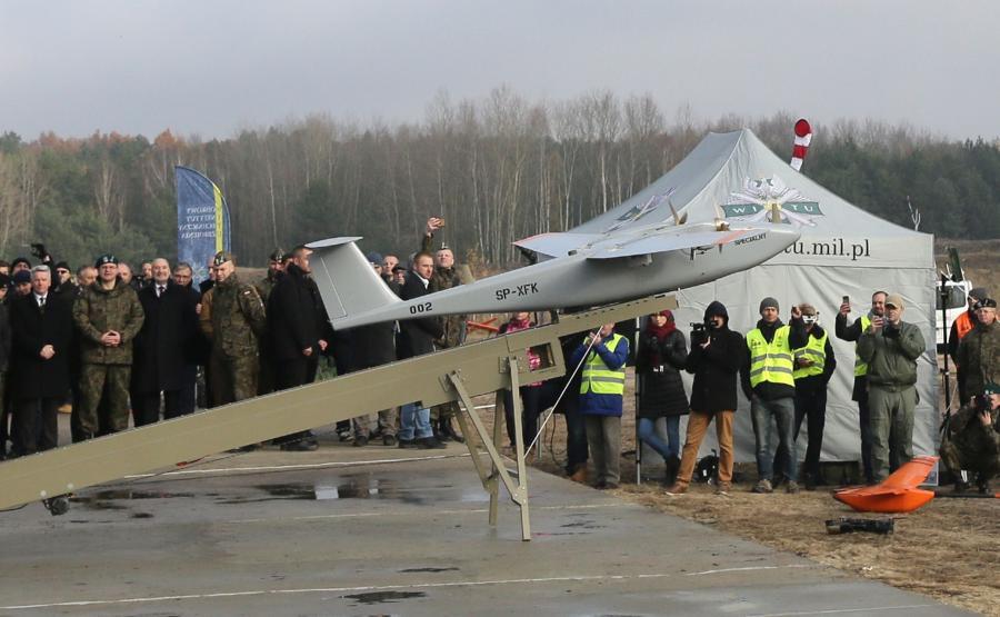 Pokaz możliwości polskich dronów