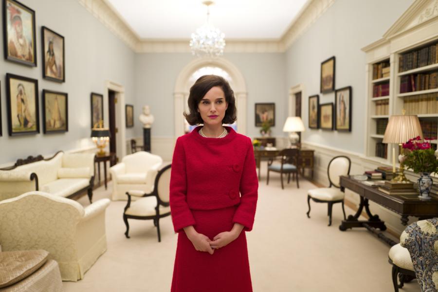 Natalie Portman jako Jackie Kennedy
