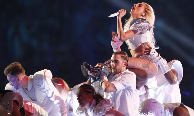 Fascynujący występ Lady Gaga na Superwbowl FOTO
