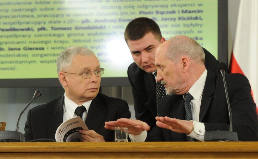 Jarosław Kaczyński, Bartłomiej Misiewicz i Antoni Macierewicz